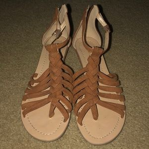 Shoes - wedged tan sandals